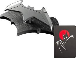 """Réplique batarang taille réelle + carnet """"Batman: The Animated Series"""""""