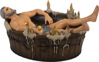 "Figurine Geralt de ""The Witcher III"" dans son bain"